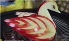 Mẹo cắt táo thành thiên nga dễ như ăn kẹo