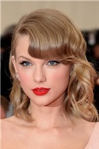 10 bí quyết chăm sóc da mịn màng, căng mượt của Taylor Swift