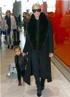 Kim Kardashian bị cha dượng chỉ trích về cách chăm con
