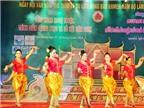 Cô gái đam mê nghệ thuật dân tộc Khmer