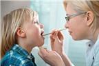 Dấu hiệu nhận biết bé bị viêm họng cấp