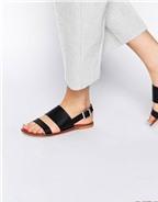 15 đôi sandals đế thấp dành cho các nàng có bàn chân to bè