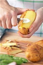 Mẹo bóc gọt vỏ củ, quả và hạt siêu nhanh