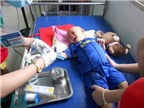 Nghẹn lòng bé trai 2 tuổi chiến đấu với bệnh ung thư máu