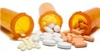 Dùng nhiều thuốc cùng lúc Làm sao bớt hại?