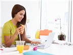 Ăn trưa tại bàn làm việc có hại thế nào?