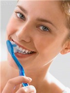 Học cách giữ răng chắc khỏe dễ ợt như nha sĩ