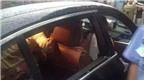 Sợ hỏng xe BMW, bà mẹ từ chối đập cửa kính để cứu con trai