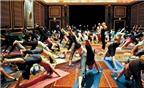 Lợi ích tuyệt vời từ yoga cười