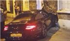 Lái siêu xe Porsche 911 bỏ chạy sau khi đâm vào nhà dân