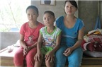 Người mẹ nghèo một nách nuôi 2 con trọng bệnh