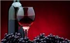 Rượu vang đỏ có thể giúp đẩy lùi bệnh mất trí nhớ Alzheimer?