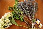 Cắm hoa trang trí bàn theo phong cách vintage