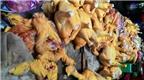 Phát hiện chất gây ung thư tạo thịt màu vàng trong thức ăn cho gà