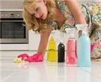 Tuyệt chiêu khử sạch mùi nước tiểu chó mèo trong nhà