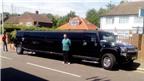 Thuê siêu xe limousine chở… người di cư