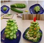 Cách làm cây thông Noel từ rau củ khiến bé thích mê