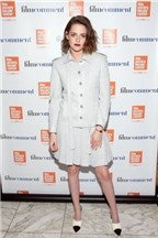 Kristen Stewart đẹp nhất tuần với váy ngắn hàng hiệu