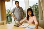 Cách giúp vợ chồng trẻ chi tiêu tiết kiệm tiền