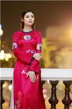 Hoa hậu Ngọc Hân đẹp nhất khi mặc áo dài