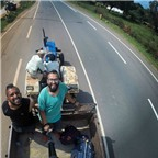 Học cách du lịch không cần tiền từ hai chàng trai Ấn Độ