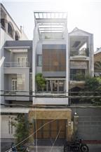 Nhà ống Sài Gòn đem thiên nhiên vào nhà với hồ cá xinh xắn