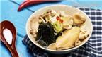 Món nấu nhanh: Cánh gà nấu nấm và rong biển