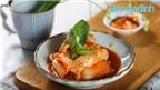 Món nấu nhanh: Mực xào kim chi cực bắt cơm