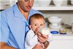 Bí quyết giúp bé làm quen với sữa công thức