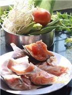 Cách nấu canh chua đầu cá hồi – Món ngon dễ làm