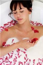 Tắm trắng và thư giãn với thảo dược