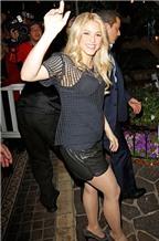 Bí quyết đơn giản giúp Shakira gọn gàng sau sinh
