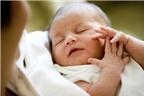 Bé khò khè khi bú sữa mẹ