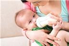 Đừng dại dột trộn sữa mẹ và sữa bột!